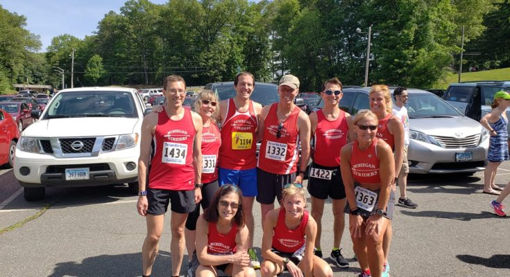 Mohegan Striders at the Spring Street Mile, 6/9/18